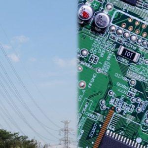 電力鉄塔と弱電基板